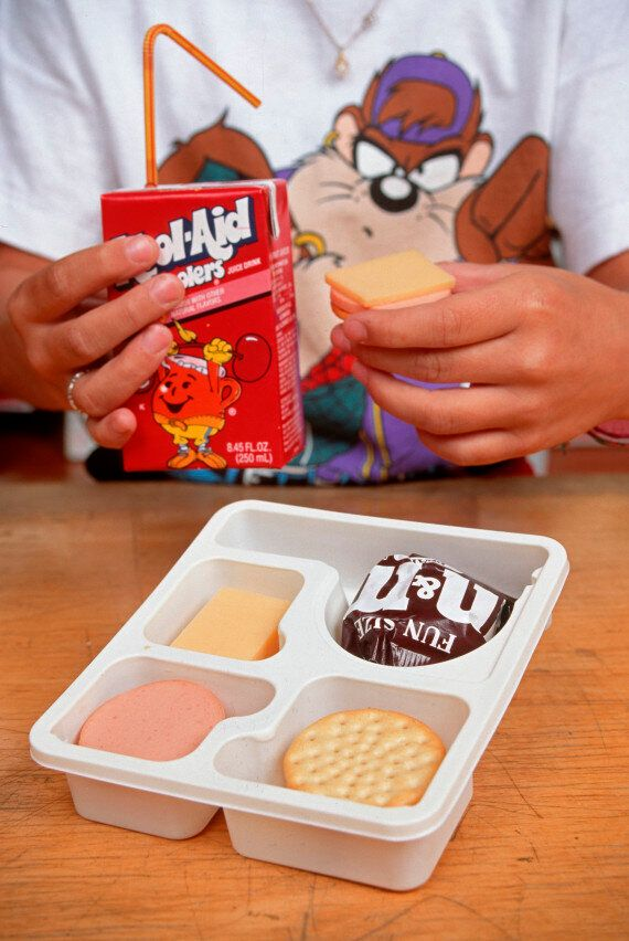 5cd64c222100005800c4baf0 - Why Is It Advisable For Children To Bring Along Packed-Lunches To School